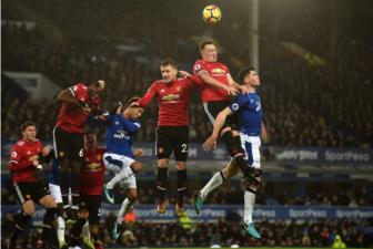 EPL - vong 10 Manchester United - Everton: Dung len, hay tiep tuc nga xuong?!