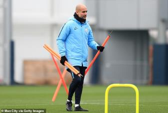 <b style='background-color:Yellow'>Pep Guardiola</b> khien ca Premier League tho phao