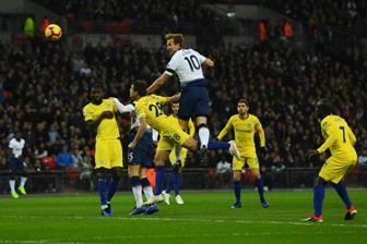 "<b style='background-color:Yellow'>Tottenham</b> 3-1 Chelsea: Ga trong ""len dong"""