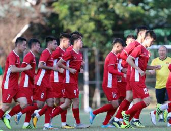 <b style='background-color:Yellow'>Van Quyet</b> yeu cau dong doi tap trung hoan toan vao AFF Cup 2018