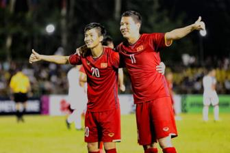 <b style='background-color:Yellow'>Video</b> luot di ban ket AFF Cup 2018: Philippines 1-2 Viet Nam