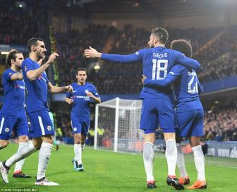 Chelsea 4-0 Hull City: Giroud 'mo khoan', The Blues thap lua cho Barca