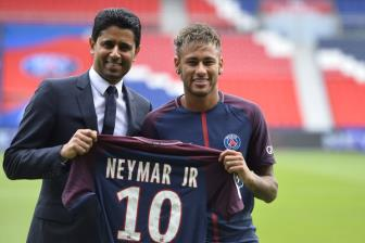 Cha de Neymar chan duong <b style='background-color:Yellow'>Conte</b> den PSG