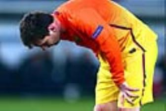 <b style='background-color:Yellow'>Messi</b> tiet lo ly do anh ngung bi non tren san