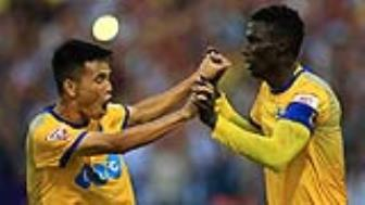 <b style='background-color:Yellow'>Thanh Hoa</b> chia tay AFC Cup bang cuoc ruot duoi ty so voi Yangon Utd