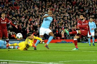 <b style='background-color:Yellow'>Liverpool</b> tra gia cuc dat: Salah chan thuong!