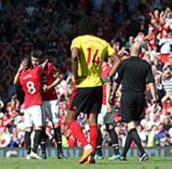 <b style='background-color:Yellow'>Manchester</b> United 1-0 Watford: Ngay chia tay tron ven cua Nguoi Hung!