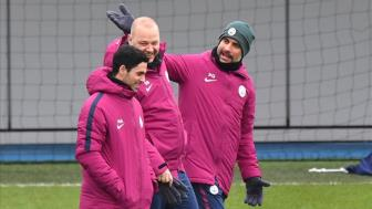 "<b style='background-color:Yellow'>Man City</b> ""mo cua"" cho Arteta dan dat Arsenal"