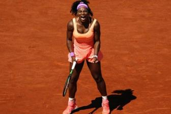 <b style='background-color:Yellow'>Serena Williams</b> mat suat hat giong o Roland Garros