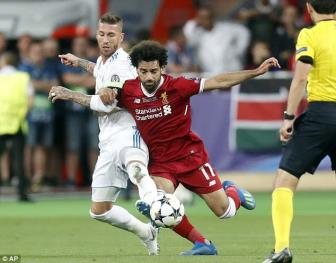 <b style='background-color:Yellow'>Mohamed Salah</b> duoc cham soc dac biet