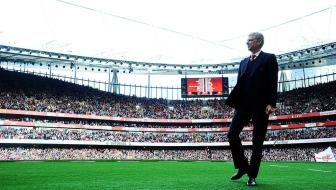 <b style='background-color:Yellow'>HLV Wenger</b> tiet lo cai kho khi lam viec o Arsenal