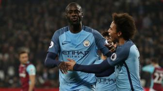 <b style='background-color:Yellow'>Yaya Toure</b> : Toi den de giup Man City day Man United vao bong toi