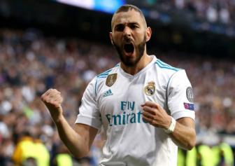 <b style='background-color:Yellow'>Benzema</b> quyet tam cung Real Madrid viet nen trang su moi