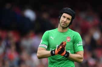 <b style='background-color:Yellow'>Petr Cech</b> 100% bat chinh truoc Chelsea