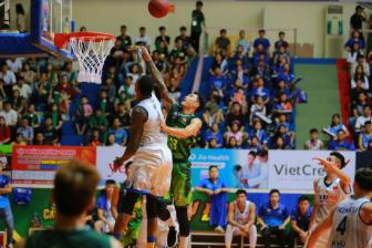 Ket qua VBA 2018 Finals Game 2: Hung phan cao do, Cantho Catfish tiep tuc da bai doi phuong