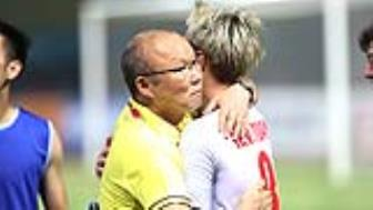 HLV <b style='background-color:Yellow'>Park Hang Seo</b> duoc moi tham du hoi nghi quan trong cua FIFA
