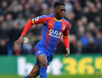 Man United chieu mo Wan-Bissaka thay the Antonio
