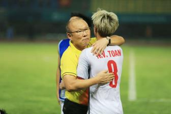 <b style='background-color:Yellow'>Van Toan</b> mang tin vui cho HLV Park Hang Seo truoc them Asian Cup 2019