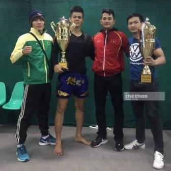 Danh bai doi thu Trung Quoc, Nguyen Thanh Tung gianh cup vang giai <b style='background-color:Yellow'>kickboxing</b> K-1
