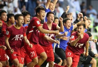 <b style='background-color:Yellow'>HLV Park Hang Seo</b> cu tro ly do tham doi thu o vong Tu ket Asian Cup 2019