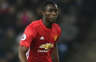 <b style='background-color:Yellow'>Man United</b> tu choi cho Arsenal muon Eric Bailly