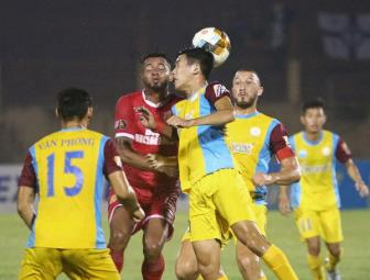 Vong 25 <b style='background-color:Yellow'>V.League 2019</b>: Lo tru hang