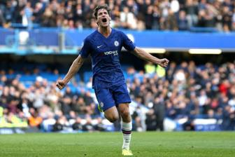 Chelsea 1-0 Newcastle: Alonso dua The Blues vao top 4