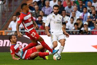 <b style='background-color:Yellow'>Real</b> Madrid 4-2 Granada: Ngay giai toa