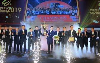 <b style='background-color:Yellow'>Ha Noi</b> FC thang lon o V.League Awards 2019