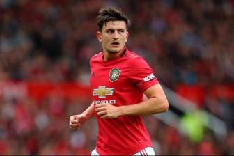Man Utd 'cuom' Maguire, Pep pha vo im lang noi ra chan tuong