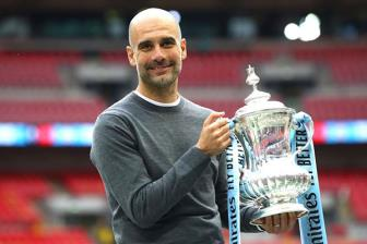 <b style='background-color:Yellow'>Man City</b> vo dich FA Cup, Pep lap ky luc 'khung'