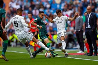 <b style='background-color:Yellow'>Real Madrid</b> 0-2 Betis: Chao cung chang tu te