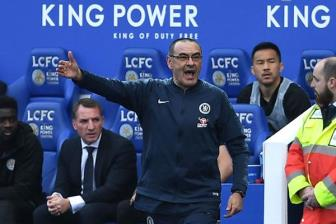 Mong lung tuong lai, Sarri sot ruot vi Chelsea