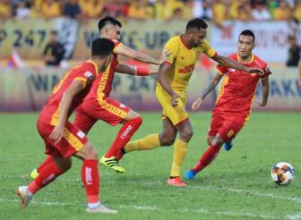 <b style='background-color:Yellow'>Thanh Hoa</b> vs TP.HCM, 18h00 ngay 21/7: Tro lai sau cu soc?