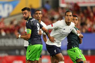 Sporting 2-2 Liverpool: Fernandes toa sang ruc ro
