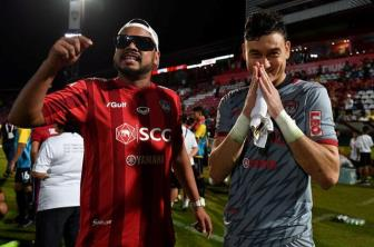 <b style='background-color:Yellow'>Van Lam</b> tiet lo ly do thang hoa cung CLB Muangthong United