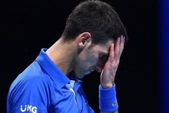 <b style='background-color:Yellow'>Djokovic</b> thua nhanh Medvedev