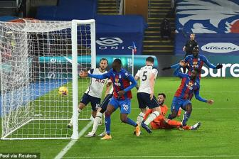 <b style='background-color:Yellow'>Crystal Palace</b> 1-1 Tottenham: Cai gia cua su thuc dung