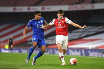 <b style='background-color:Yellow'>Arsenal</b> 1-1 Leicester: Su thay doi 'chet nguoi'