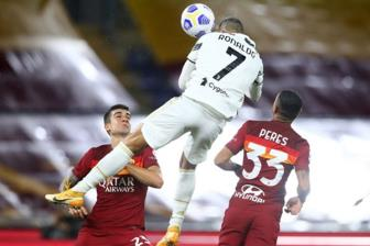 CR7 <b style='background-color:Yellow'>lap cu dup</b>, Juventus thoat thua trong the 10 nguoi