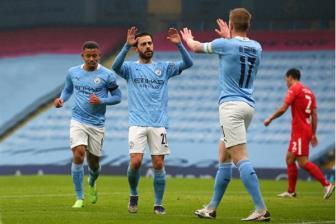 <b style='background-color:Yellow'>Man City</b> 3-0 Birmingham: Quyet dinh kho hieu cua Pep