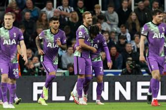 Newcastle 2-3 Tottenham: Can hanh dong ngay