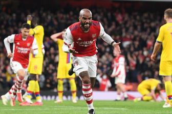 <b style='background-color:Yellow'>Arsenal</b> 2-2 Crystal Palace: Nghet tho giay cuoi cung