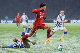 Hertha 0-1 Bayern Munich: Lewy 'den', Hum xam van 'do'