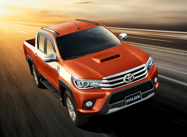 Toyota Viet Nam gioi thieu Hilux hoan toan moi 2015 hinh anh 2