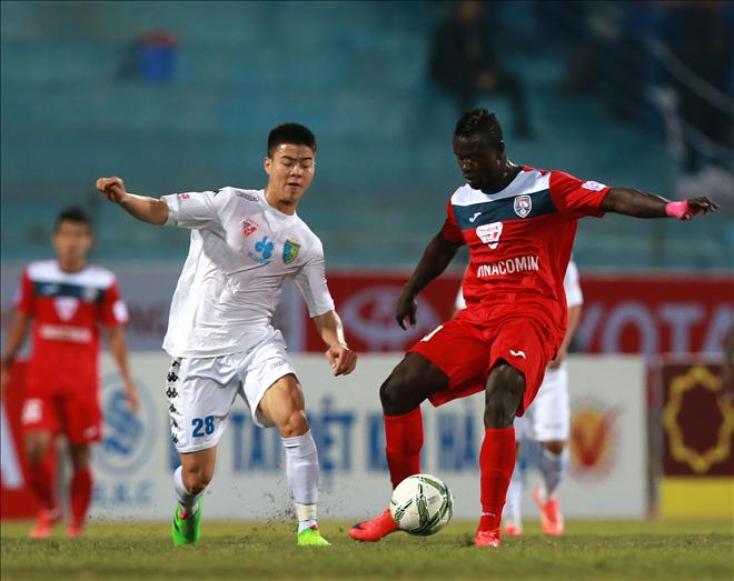 Truoc them V.League 2017 Song chung voi di nghi hinh anh