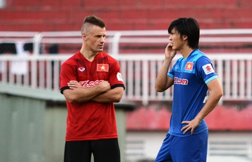 DT Viet Nam siet chat ky luat truoc them AFF Cup 2016 hinh anh