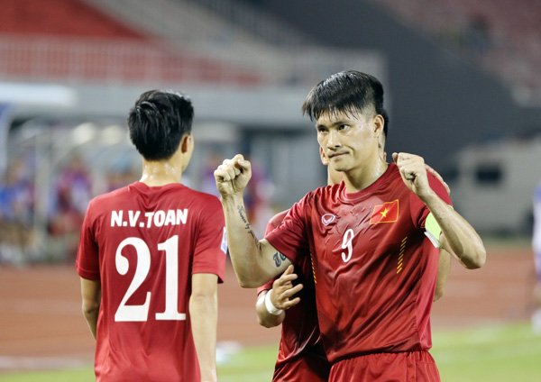 DT Viet Nam 'hanh xac' truoc tran ban ket AFF Cup 2016 voi Indonesia hinh anh