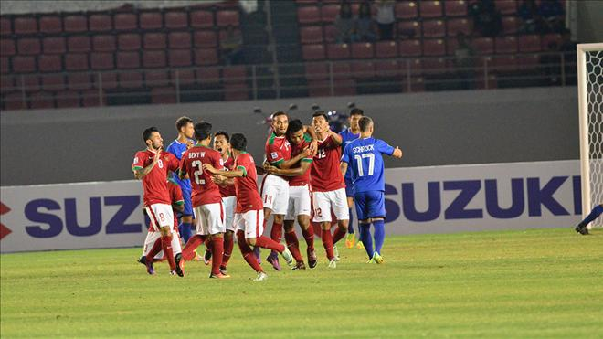 Indonesia lam kho DT Viet Nam tai ban ket AFF Cup 2016 hinh anh
