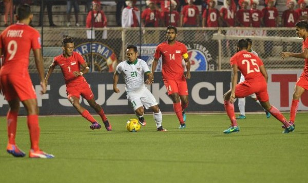 Indonesia gap kho ve luc luong truoc chung ket luot ve AFF Cup 2016 hinh anh